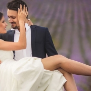 Paar romantisch im Lavendel